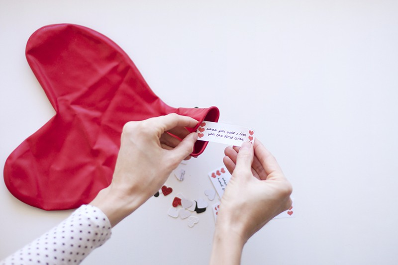 fill balloon with valentines message