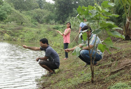 Fishing at Saguna Baug